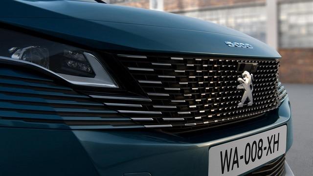 Nuevo SUV PEUGEOT 5008: nueva calandra sin marco